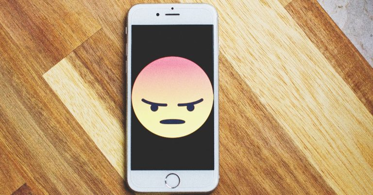 КОД 0700: Обажданията, които увеличават сметката ни за телефон